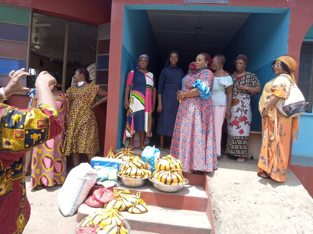 COVID19: PRESTIGIOUS LADIES ALLIANCE PROVIDES SUCCOUR FOR THE AGED IN CROSS RIVER STATE (PHOTOS)