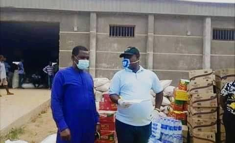 Ayade Distributes Bags of Rice, condiments to CAN in Northern Senatorial District.