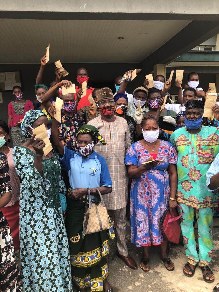 COVID-19: Ogbor Ogbor doled out palliatives to Constituents (Photos)