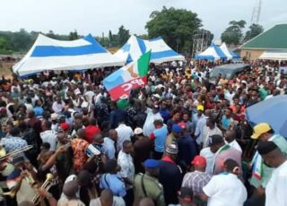 CROSS RIVER FEDERAL LAWMAKER LEGOR IDAGBO WITH OVER 30,000 OTHERS DEFECT TO APC