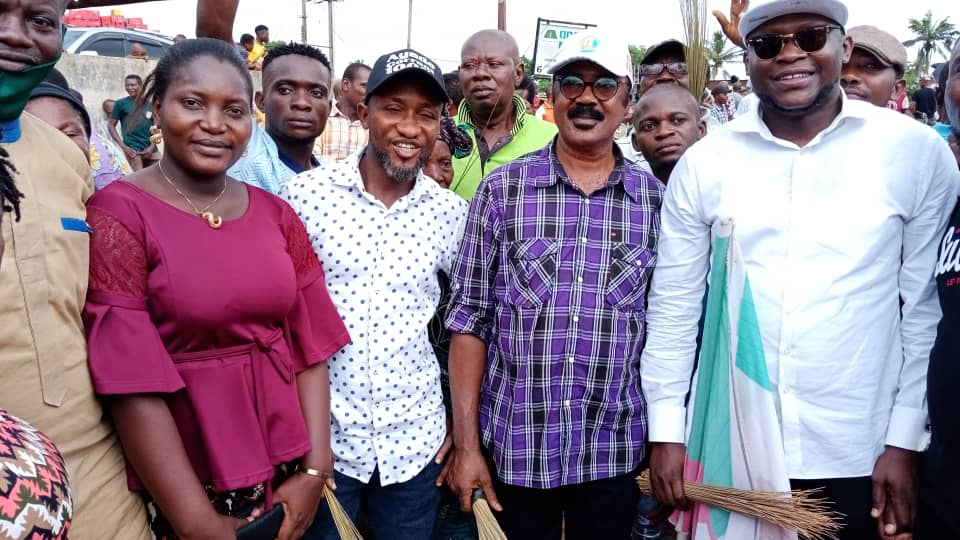 Yahe Ward Goes APC, As Major PDP Leaders Defect To Party